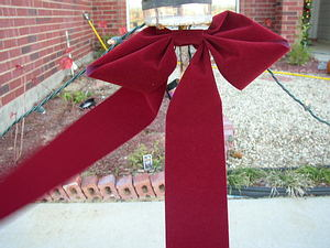 Find out how to create these practical holiday bows here!